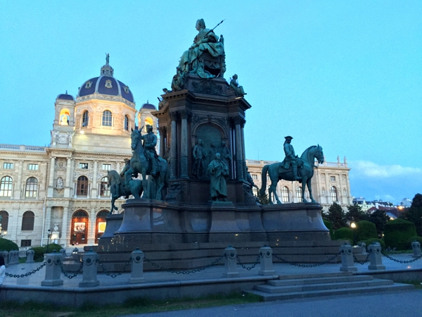Evening in Vienna 4