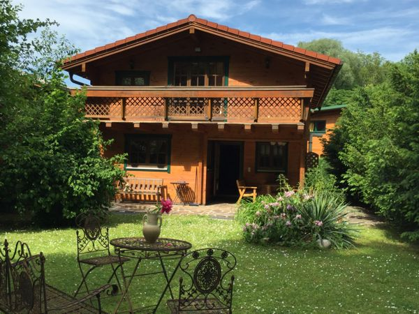 Vienna Cottage 01