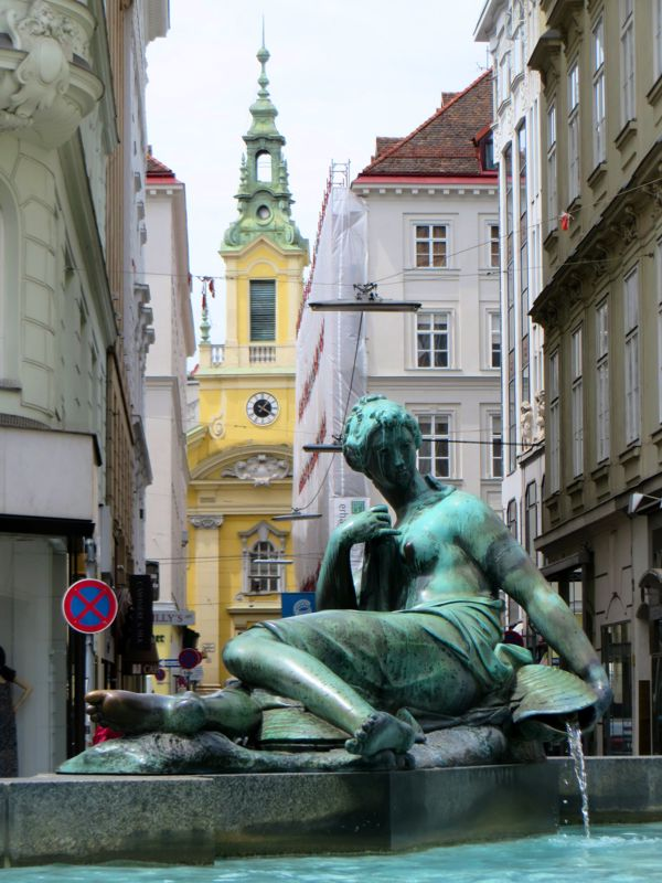 Vienna_Fountain02